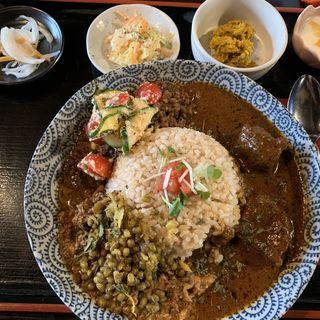 カレー膳 全盛り(旧ヤム邸)