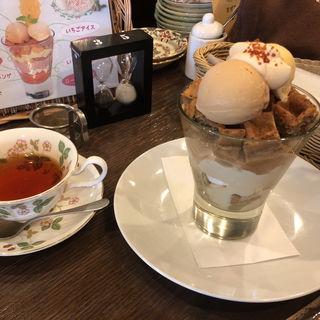 紅茶パフェ(ティーサロンジークレフ (TEA SALON Gclef))