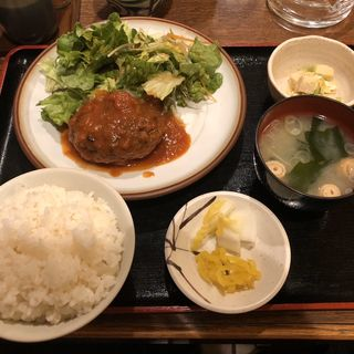 トマト煮込みハンバーグ定食(うまし )