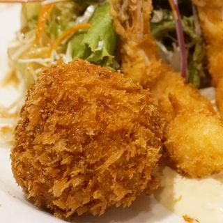 手作りコロッケと海老フライのセット(洋食 中村家)