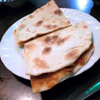 ラハマージュン(ナン羊のひき肉のせ)(クルド家庭料理 手芸カフェ メソポタミア)