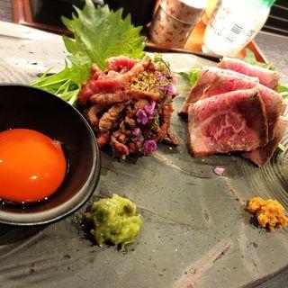 炙りユッケ&ローストビーフ(ぐるり)