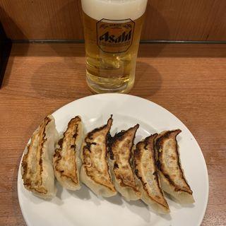 焼き餃子と生ビール小(三幸園 白山通り店 (サンコウエン))