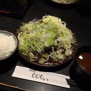 味噌かつ定食(黒豚屋 らむちぃ)