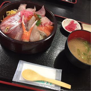 特上海鮮丼(お食事処 かいがん )