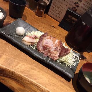 肩ロースステーキ定食(ぶためし山ぶた )