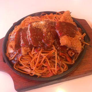 カツがのったスパゲティ