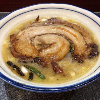 落し蓋ラーメン(烈志笑魚油 麺香房 三く)