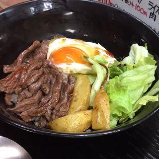 とろ玉牛ステーキ丼(ザ・ステーキ・バー )