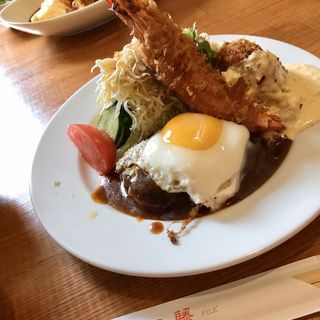 Aセット ハンバーグ エビ 目玉焼き +カニクリームコロッケ(洋食の藤)