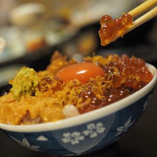 超!痛風丼(泳ぎいか・ふぐ・いわし・大阪懐石料理・遊食遊膳 笹庵 (ささあん))