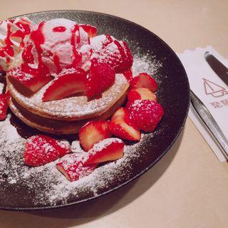 贅沢いちごのパンケーキ(琵琶湖 )