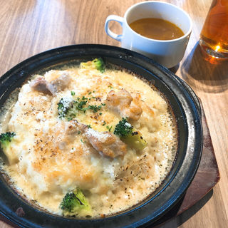 鶏とブロッコリーのクリームドリア(アグレ カフェ ザ テラス (AGGRE cafe the terrace))
