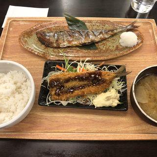 ぬか漬け秋刀魚焼きとイワシフライ定食(魚豊 人形町店)