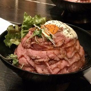 ローストビーフ丼(レッドロック 原宿店)