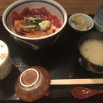 煮穴子と漬マグロ丼
