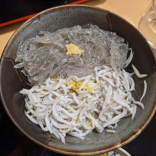 Wしらす丼(マイアミ貝新)