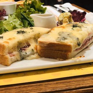 4種チーズのクロックムッシュ