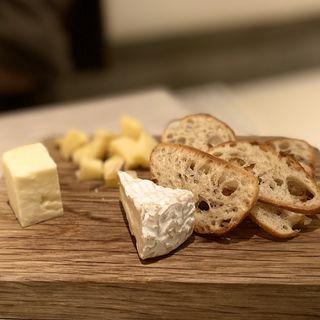 チーズ盛り合わせ(フレッシュシーフードビストロサル)