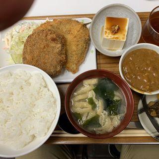 メンチカツアジフライに➕カレー小鉢(キッチンK)