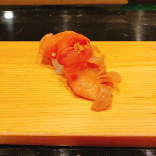 赤貝の握り(銀座寿司処まる伊総本店)