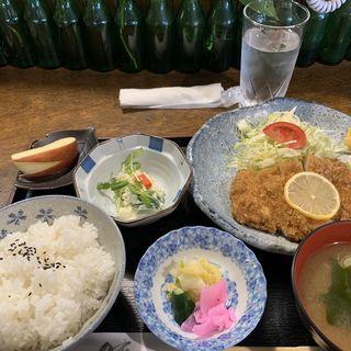 とんかつ定食(奈香屋 )