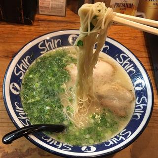 博多ShinShinらーめん(博多らーめん ShinShin 天神本店)