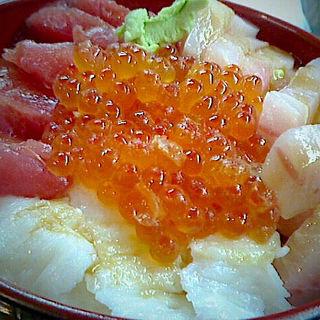 マイ海鮮丼(塩釜仲卸市場 マイ海鮮丼コーナー )