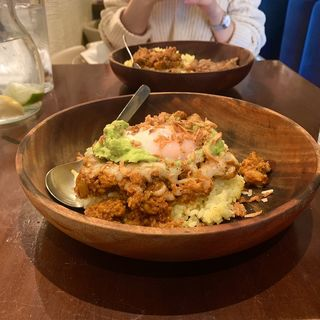 恐竜の卵スペシャル(ケニック カレー (Kenick curry))