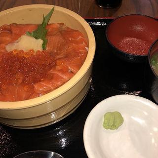 サーモン親子丼(蔵三 )