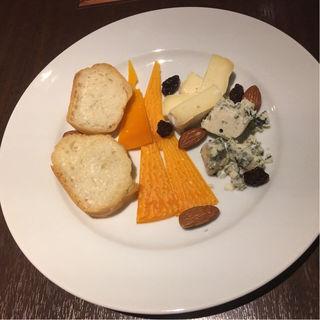 チーズ盛り合わせ(イタリア酒房 ときわ)