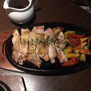 国産鶏もも肉のグリル