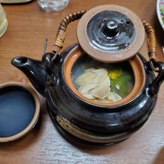蛤としめじの土瓶蒸し(特別注文)(棟梁 (とうりょう))