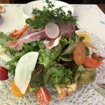 15種類の季節の野菜とハーブのイタリアンサラダ