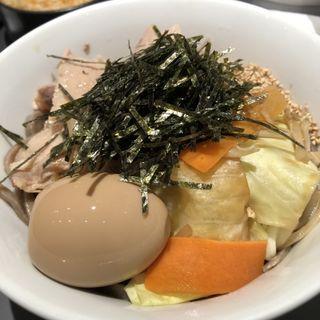 肉野菜味玉そば(冷・温)(酢重正之・楽)