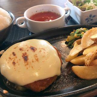 ハンバーグ定食(喫茶軽食 みらい)