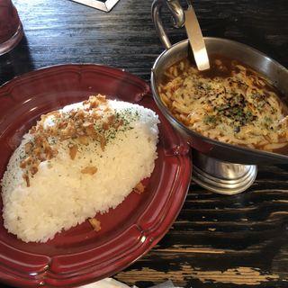 牛すじ炙りチーズカレーライス(カレー屋アカマル )