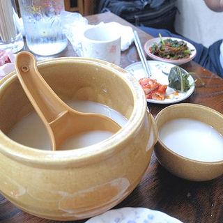 マッコリ(韓国家庭料理 漢陽)