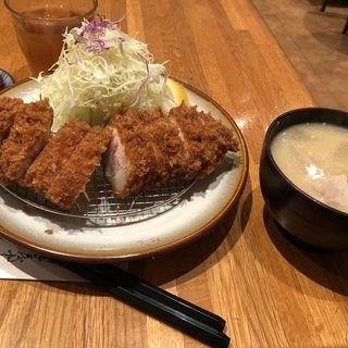ロースカツ定食(とんかつ檍 横浜馬車道店)