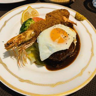 ハンバーグ&海老フライ定食(クアトロ (QUATTRO))