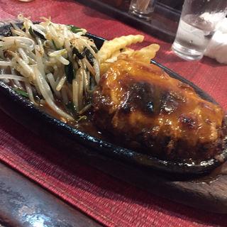 ハンバーグ定食(グリル ピエロ )
