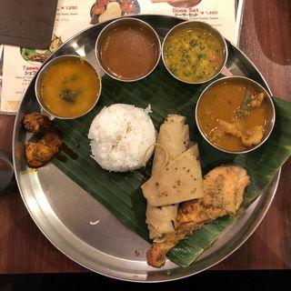 フィッシュミールス(アーンドラ・キッチン (Andhra Kitchen))