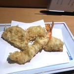 天ぷら(海老、蓮根、玉ねぎ)(くいもの家 金子 )