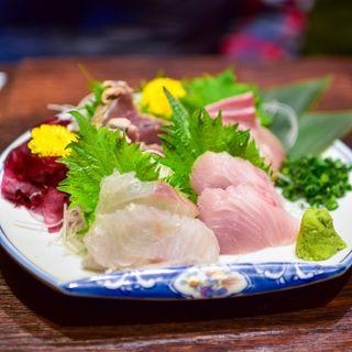 鮮魚刺身盛り合わせ 小(米助 新宿総本店)