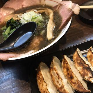黒正油チャーシュー麺(ラーメン屋 切田製麺)