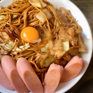 ソース焼そば/大盛+生たまご&ギョニソ(焼そば ランラン)