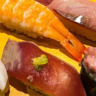 特盛にぎり(味噌汁茶碗蒸付)(魚がし日本一 赤坂店 (ウオガシニホンイチ))