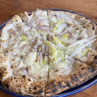 パンチェッタと深谷ねぎのピザ