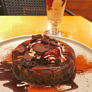 カカオとチョコレートソースのコーヒーパンケーキ(MARFA CAFE (マーファ カフェ))