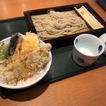 へぎ蕎麦と小盛り穴子丼
